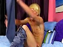 Cute porn boys packed seal twink emo Eighteen yr old Jeremy Sanders knows a