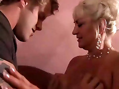 Blonde suvosire xxx cock chews Shows Her Man She Can Still Do It