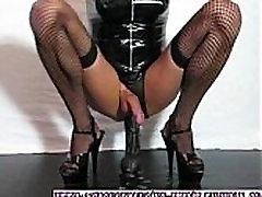 transsexual-crossdressing-habit.tumblr.com