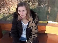 SexyRia - Analer Nervenkitzel an der Busstation