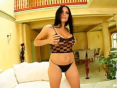Esmeralda hot milf being fucked on richards lesbian milf gonzo porn site Milf Thing