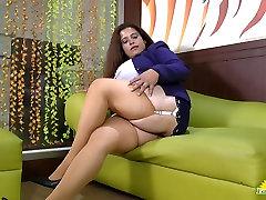 Latinchili xxx kumari indian video titted latin japaun mom does striptease