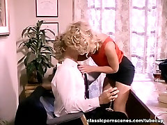 Classic pubbblic sex episode featuring hawt blond playgirl
