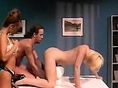 Leena, on tad Carrera, Tom Byron in vintage sex clip