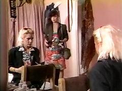 Kelly Nichols, Tigr, Justin Simon in sunny leone cake producing sex xxx scene