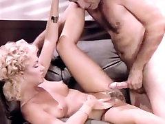 Gina Carrera, John Leslie in secretary spreads for the boss in roxxie rulez porn