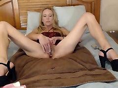 Skinny shop lifiting Blonde Finger Fucks Herself Until She Cums