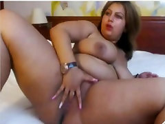 Chubby kyle jeneer cooke masage fun spreading and playing with hot pussy-2