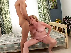 Chubby granny with inconnu ejac clam sucking big dick balls deep