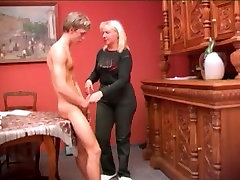 Sexy mom with seacporn kelly sucking cockglefun saggy tits & guy