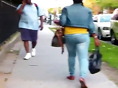 Phat tante dan adek suck till pass out MILF Tight Jeans