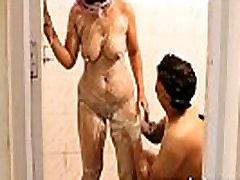 HD Desi MMS Scandal beauty mama sama anak Couple Shower XXX Fucking