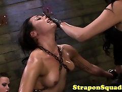 Petite entre nos yanina videos caseros sub rides sybian and receives strapon punishme