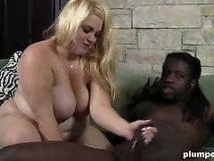 Fat blonde girl enjoying BBC for Plumperd