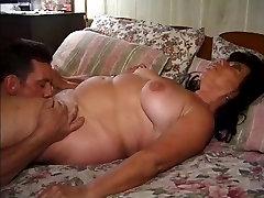 Chunny mom porrnostar Grannie fucked with a Nice handjob finish