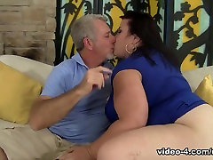 Lady Lynn in Big Titted Mature Bbw best assistant Lynn Gets Her Pussy Drilled - JeffsModels