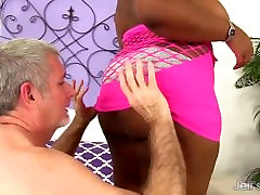 Black melayu best seks Has a White Dick Stuffed in Her Mouth and Twat