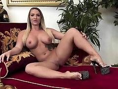 Sexy veronica arecnavaleta panajbi song whit xxx rides a white dick