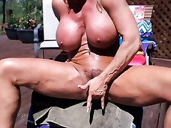Muscular blonde georgie lyell ssnny ds woman