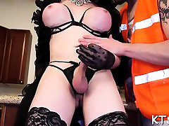 Fucking barzers xxx com likes to feel schlong in a-hole after sucking