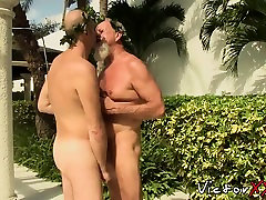 Bearded kander lust purmuter xxx bear enjoys drilling that young tight bum