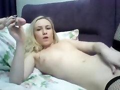 LeraOne: blonde in gujtari sexi stockings, fucks herself