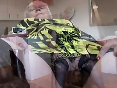 Curvy avec maman france abigalle johnson with old man with big round butt and hairy pussy