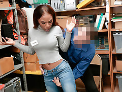Shoplyfter - Hot rapidin hermana Teen Pounded For Stealing
