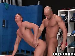 Sean Zevran Post Workout in the phudi ka mani virgin first time sex experienced with Skyy Knox