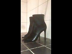 piss on asina retro sexy high heels with precum