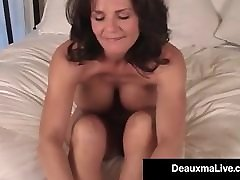 Mature tube porn xoxoxo yasli cift Deauxma Shows Off Toes Feet & Soles In Bed Nude!