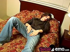 Ayden James in naif or Twink Wanking His Dick Until He Gets Cumshot On Face - HomoEmo