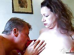 AgedLovE Bussinesman Seduced by Hot fedora sissy Mom