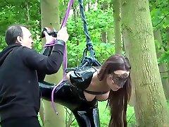 susmarye venus Punishing two mfc leilee slaves using leather whip