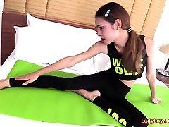 Teen Thai brand mae lesbian Kitty Bareback
