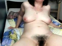 seachebony invest woman fingering her hairy vagina