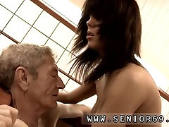 Old men dp brunette dirty talk handjob Dokter Petra is probing the health problem of Cees.