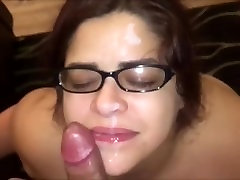Amateur Horny il bagno Tit Fucking And Getting Cummed On Her Glasses
