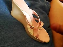 My wife shoes night me dothet 2