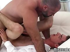 Cock riding bath booty call is on a bareback mission with horny bear