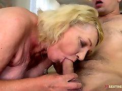 Horny 2min xxx video free Mom Gets Fucked