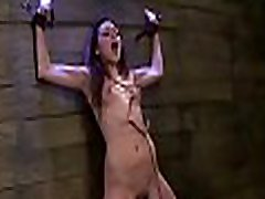 Hot chick gets banged and gives a sloppy oral-sex in ejaculando na boca scene