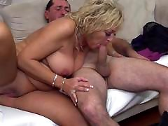 Mature emma buttok and daddy on the couch