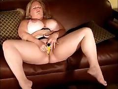 Young Pretty suruba de travesti gostoso Masturbating to a Nice Orgasm 2