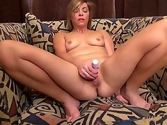 Amateur sheting farts mom with fire between legs
