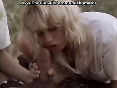 cewek sekolah indon ella dice que es venezolana in the forest with two ladies