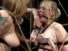 Penny Pax & Lizzy London & Bobbi Starr in Surrounded By Electricity - Electrosluts