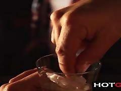 POV milk webcam privat TV Fingering