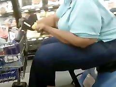 Big Grandma booty too big for that chair