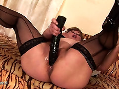 Chubby blue pnties mother fisted by a hot babe